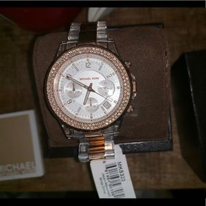 BRAND NEW AUTHENTIC MICHAEL KORS ROSE GOLD WATCH